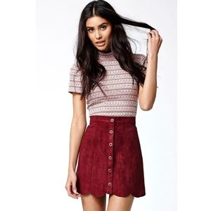 Adorable Kendal and Kylie Suede red skirt small